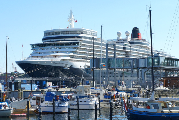 MS Queen Elizabeth in Kiel © Copyright by PANORAMO BlogDSC06624