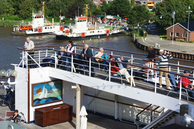 NOK Passage mit der MS Astor © Copyright by PANORAMO