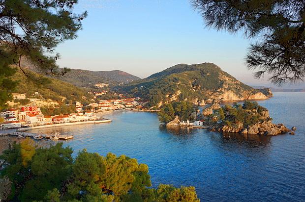 Parga Ort und Bucht Epirus Griechenland © Copyright by PANORAMO DSC001097