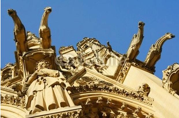 Gargouille,Kathedrale Saint Étienne Metz © Copyright by PANORAMO# Blog36147188