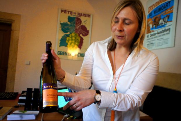 Anne-Catherine Mondloch vom Weinmuseum in Ehnen