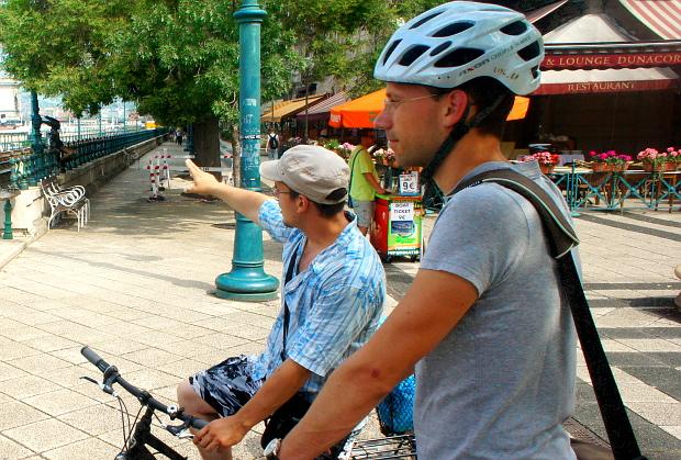 Philip lässt sich von Budapest's Orginal bike and Segway tours die City zeigen Budapest 2013 © Copyright by PANORAMO Bild lizensieren: briefe@panoramo.de