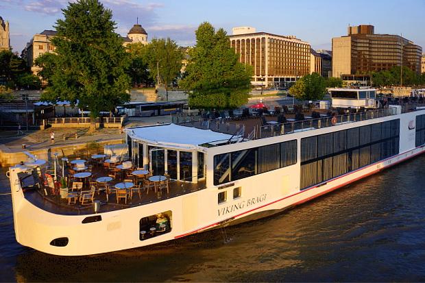 Flusskreuzfahrtschiff Basilikata Budapest 2013 © Copyright by PANORAMO Bild lizensieren: briefe@panoramo.de