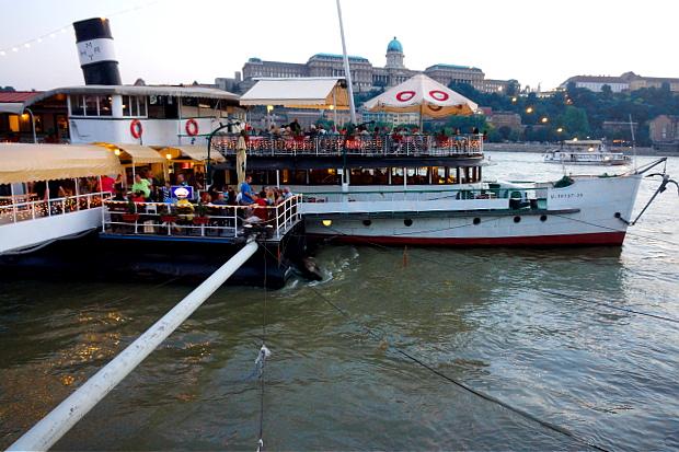 an der Donau in Budapest 2013 © Copyright by PANORAMO Bild lizensieren: briefe@panoramo.de