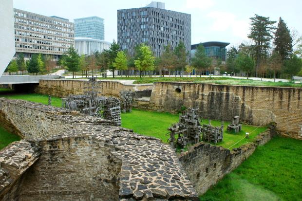 Grünanlagen in Luxemburg zwischen Alter Festung und MUDAM, Museum modern Art