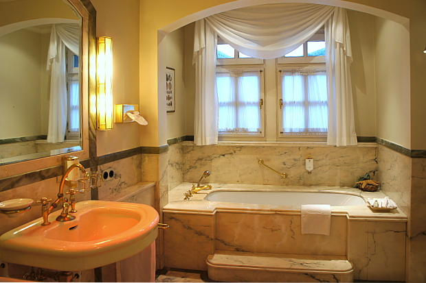Hotel Krone, Assmannshausen © Copyright PANORAMO Bild lizensieren: briefe@panoramo.de