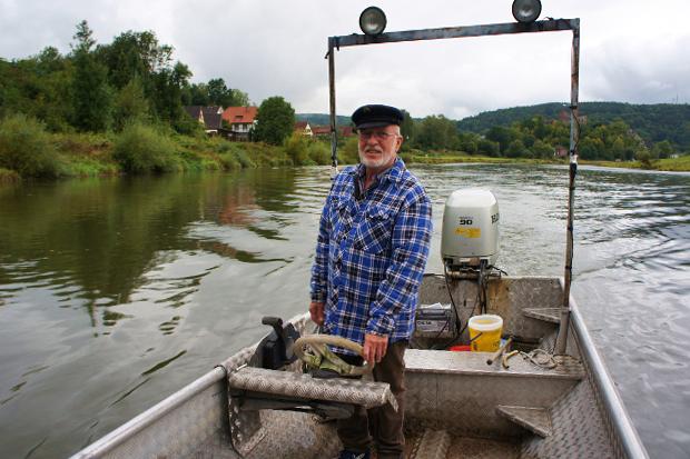 Fischer Fritze Köster auf der Weser © Copyright PANORAMO Bild lizensieren: briefe@panoramo.de