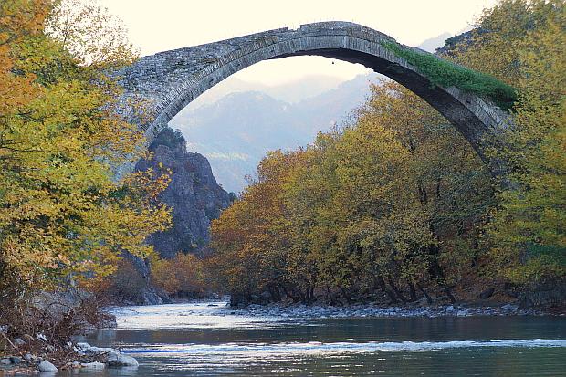 Zabori Mountains, die Brücken – Epirus © Copyright by PANORAMO Bild lizensieren: briefe@panoramo.de