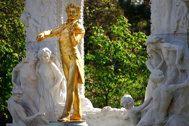 Johann Strauss Denkmal Wien © Copyright by PANORAMO Bild lizensieren: briefe@panoramo.de