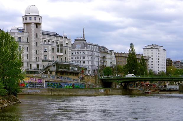 Donaukanal Wien © Copyright by PANORAMO Bild lizensieren: briefe@panoramo.de