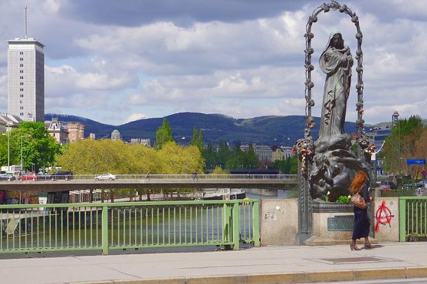 Marienbrücke Donaukanal Wien © Copyright by PANORAMO Bild lizensieren: briefe@panoramo.de