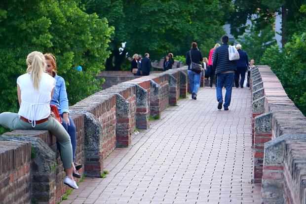 Auf der Stadtmauer Fischer Viertel von Ulm © Copyright by PANORAMO Bild lizensieren: briefe@panoramo.de