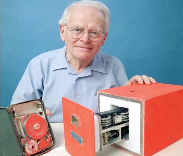 David Warren erfand den Flugschreiber © Copyright by wikipedia