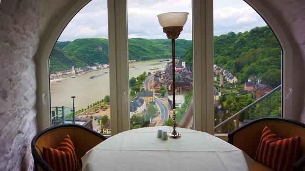 Romantikhotel Schloss Rheinfels © Copyright by PANORAMO Bild lizensieren: briefe@panoramo.de