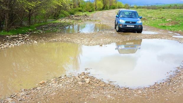 Fahrt in die Halbwüste von Kachetien - Georgien © Copyright by PANORAMO.de