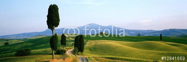Das Titel-Motiv im Panorama-Kalender mit den Traumlandschaften Toskana © Copyright by fotolia Karl-Heinz Hänel