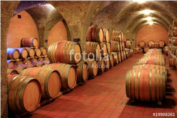 Weinkeller, Barrique - Fässer, Gewölbe, Toskana, Italien Foto ist hier sofort für Ihre Verwendung zum download bereit ab € 3,00 http://de.fotolia.com/id/19908261/partner/200519431