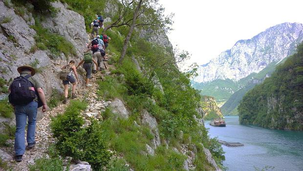 Aufstieg zum Dorf Brise © Copyright by Karl-Heinz Hänel