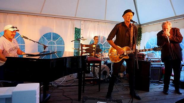 Blues Konzert in Bredeneek © Copyright by Karl-Heinz Hänel