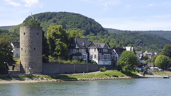 am Rhein Foto © Copyright Karl-Heinz Haenel