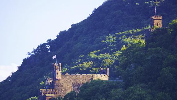 Burg Reichenstein am Rhein Foto © Copyright Karl-Heinz Haenel