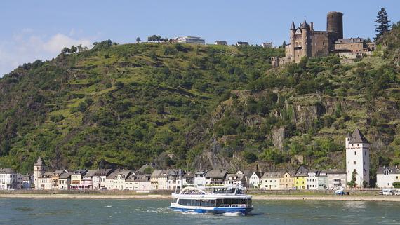 Auf dem Rhein © Copyright Karl-heinz Haenel