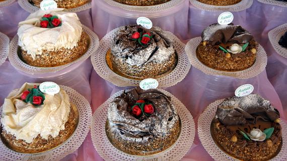 Süßes aus Cuneo Foto © Copyright Karl-Heinz Hänel