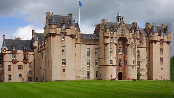 Visit Fyvie Castle in Scotland © Copyright Karl-Heinz Hänel