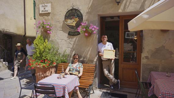 Osteria Sette di Vino Pienza in DieZeit © Copyright Karl-Heinz Hänel