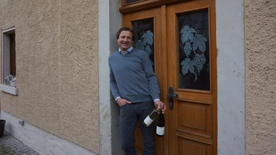 Winzer Klaus Böhme aus Laucha © Copyright Karl-Heinz Hänel