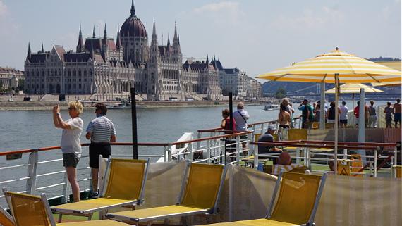 Mit A-ROSA auf der Donau nach Budapest © Copyright Karl-Heinz Hänel