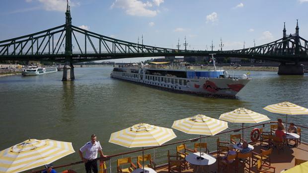Mit A-ROSA in Budapest © Copyright Karl-Heinz Hänel