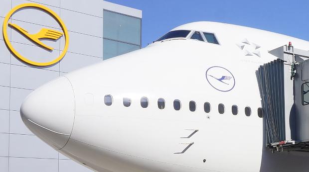Lufthansa First Class 2018 © Copyright Karl-Heinz Hänel